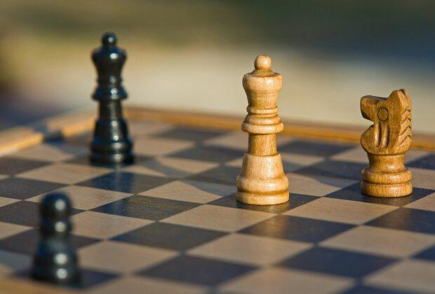 Jak grać w szachy online